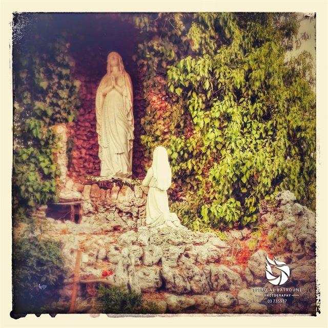 St Mary bless us 💚........ spiroalbatrouniphotography spirolens... (Brummana)