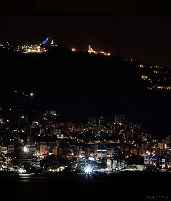 Night Vibes ----------A.J---------- jounieh lebanon byme nikon ... (Joünié)