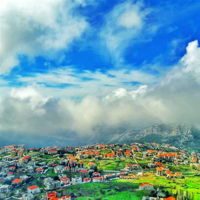 And you ask me why i love my Lebanon!! 🌲❤🌲  photography  pictureoftheday... (Ehden, Lebanon)