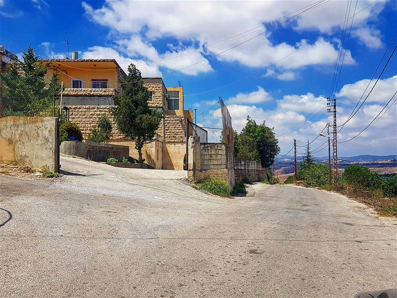 yarounday  yaroun  school  sky  morningwalk  ptk_lebanon  lebanon ...