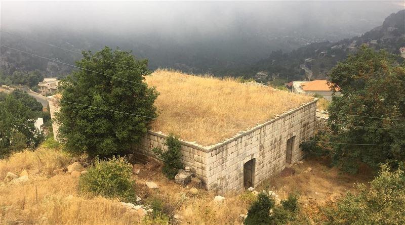 My Favorite Scenery 💛 photo photooftheday photography photographylovers... (Ehmej, Mont-Liban, Lebanon)