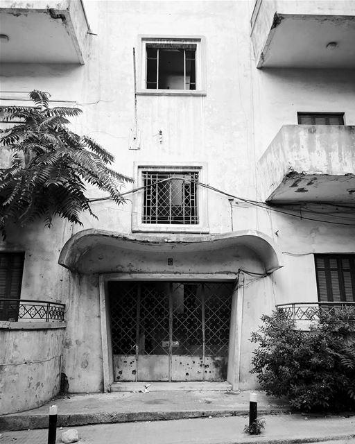 Art deco.......... travelawesome exploretheglobe ... (Beirut, Lebanon)