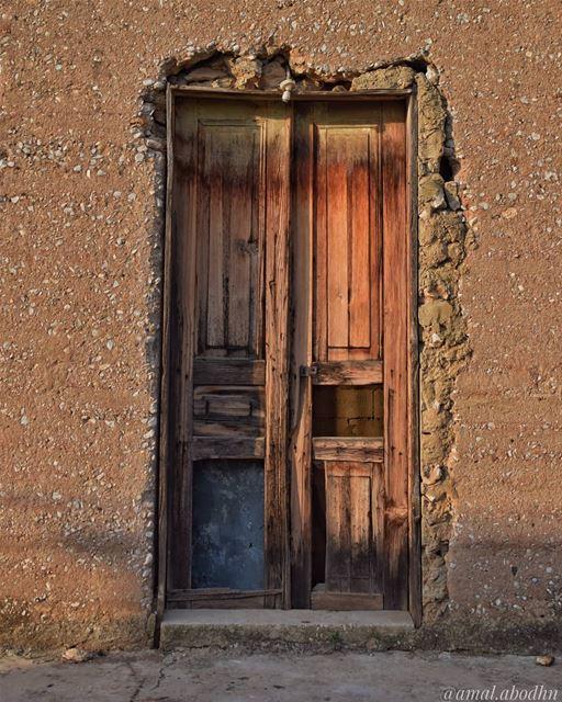 الامة التي لا تحسن قراءة تاريخها،،، لا تستطع صياغة مستقبلها 👋👌 ........ (Hasbaya District)