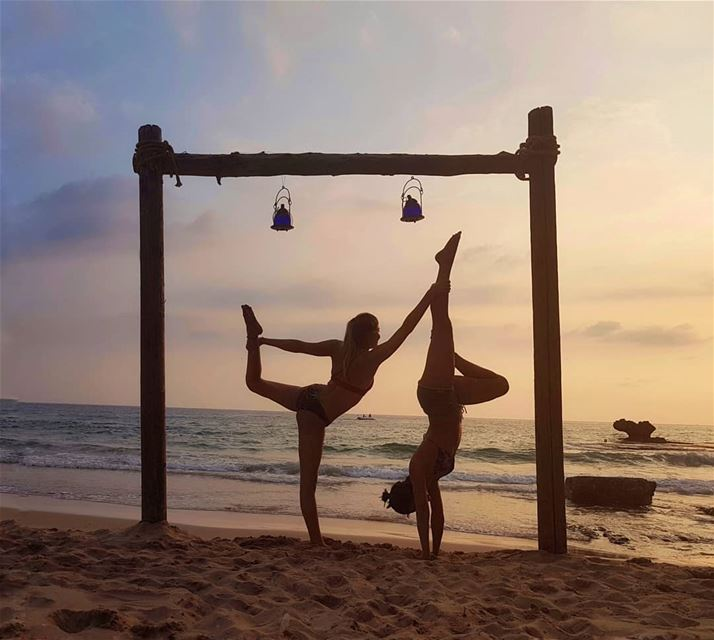 •🐒🐒•... beachyoga summer vibes happyvibes acroyoga sunset ...