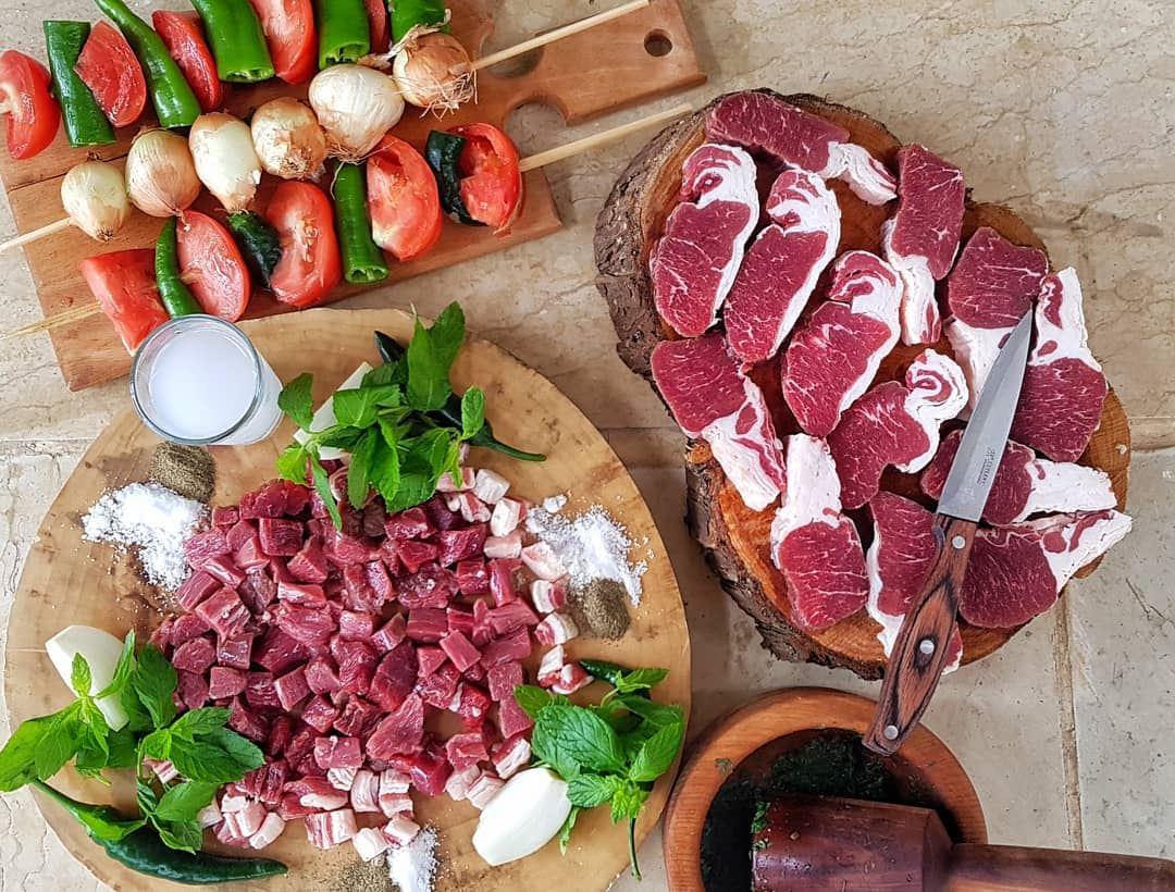 ملك اللحمة على بياض @mohssenfarah meat foodporn food vegan foodie ... (La La Land)