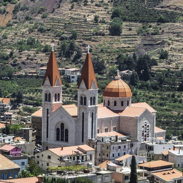 Bcharre 💙 livelovebcharre lebanonisbeautiful wearelebanon ... (Bcharreh, Liban-Nord, Lebanon)
