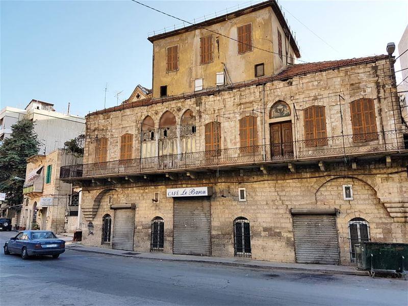 Le Baron.... zahle zahleh lebanon oldhouse cafe lido photooftheday... (Zahlé, Lebanon)