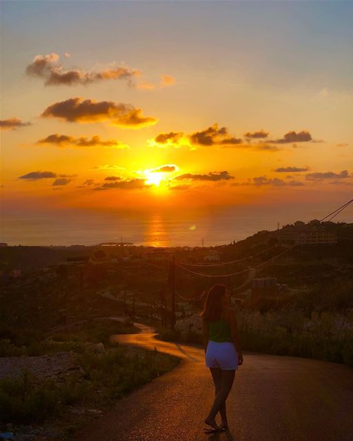 God's beauty is displayed in every sunset 🧡 sunset meetlebanon lebanon ... (`Aqtanit, Al Janub, Lebanon)