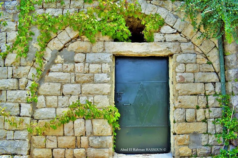 Perfect harmony between nature and the traditional houses 🍃 elchouf ... (Deïr El Qamar, Mont-Liban, Lebanon)