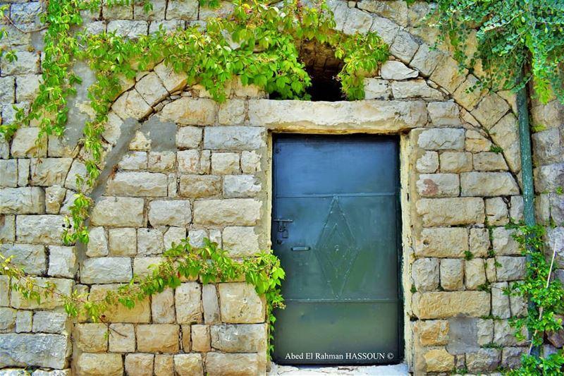 Perfect harmony between nature and the traditional houses 🍃 elchouf ... (Deïr El Qamar, Mont-Liban, Lebanon)