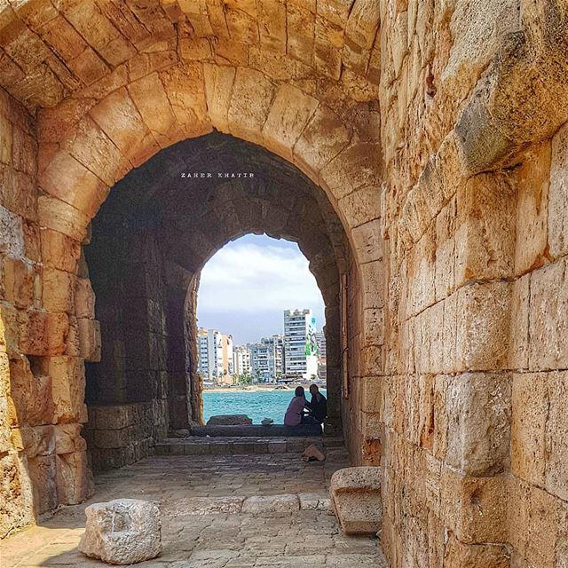 أهلي يفكرون في إبعادي عن الفتاة التي أحبها لقد أقسمنا على الحب مدى الحيا (Sidon Sea Castle)