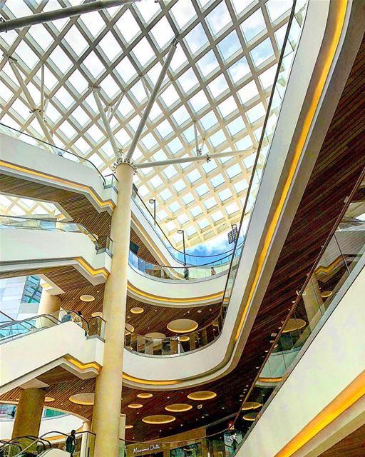 O Líbano provavelmente se compara à Dubai por abrigar alguns dos shopping... (Abc Verdun)