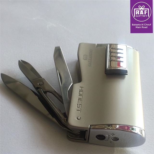 A multi usage lighter for cigar lovers 💨 raf_giftry............ (Raf Giftry)