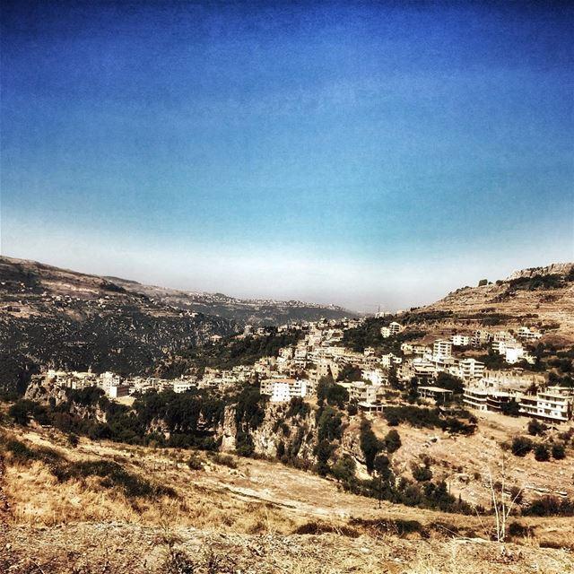 livelovelebanon naturephotography filter positivevibes livelovebeirut... (Bcharreh, Liban-Nord, Lebanon)