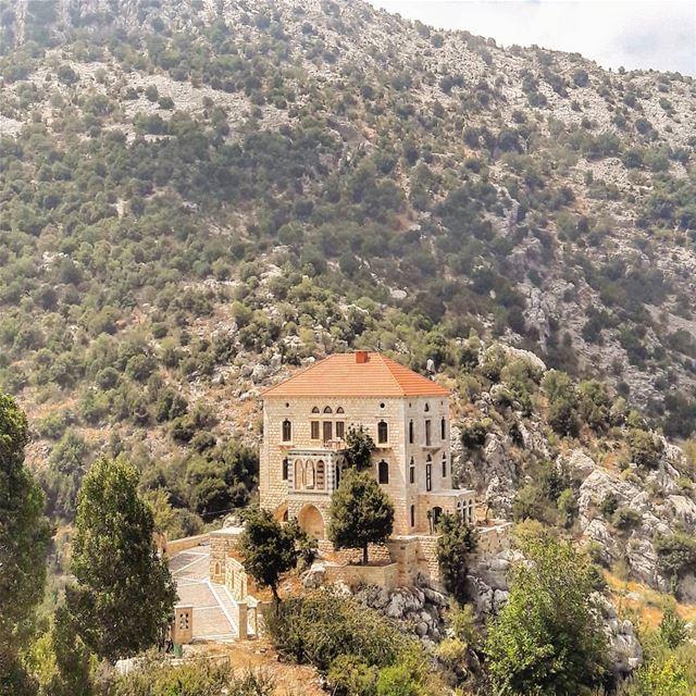 Dreamhouse🏡 (Tannurin At Tahta, Liban-Nord, Lebanon)