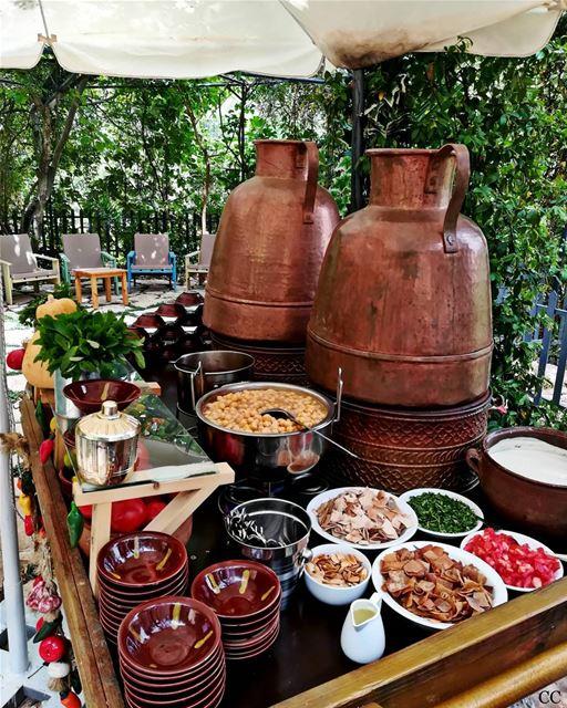 beitelqamar chouf lebanon traditional lebanese food foul fatte ...