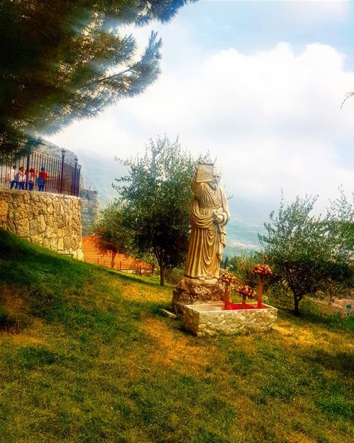 stpeter grotto rocks amazingplace greenvillage ... (Akoura, Mont-Liban, Lebanon)