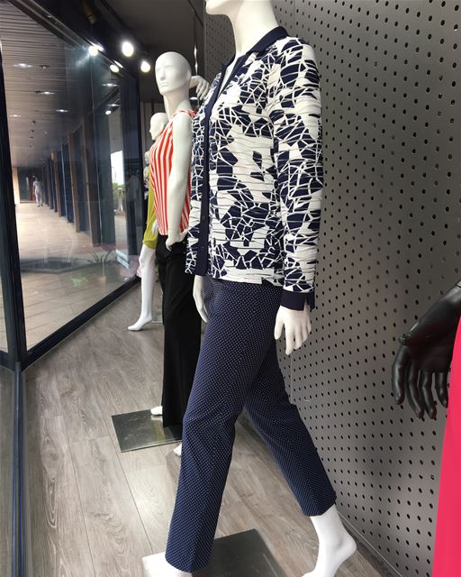 Must have a navy color suit DailtSketchLook 398 shopping  italian ... (Er Râbié, Mont-Liban, Lebanon)