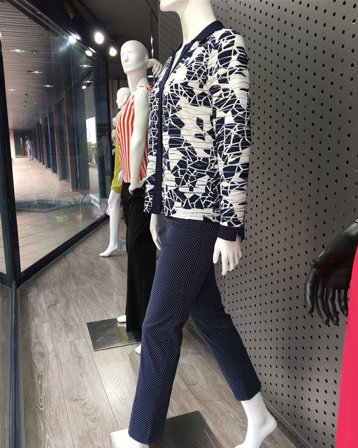 Must have a navy color suit DailtSketchLook 398 shopping italian ... (Er Râbié, Mont-Liban, Lebanon)