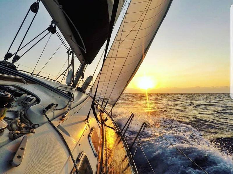 batroun البترون_سفرة sunset sailing sailingboat sea ... (Batroûn)
