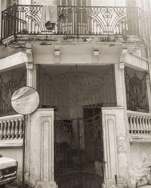 Never gets old hiddenbeirut .............. Lebanon beirut ... (Furn Shebak, Beyrouth, Lebanon)