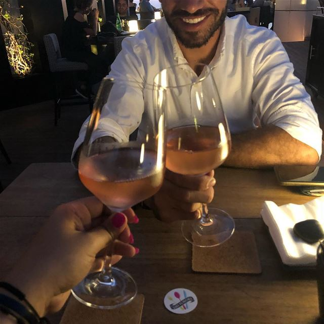 Missing this badly🤦‍♀️ the glass of wine i mean 😂😂😂 haha🙈🙈 a perfect... (Four Seasons Hotel Beirut)
