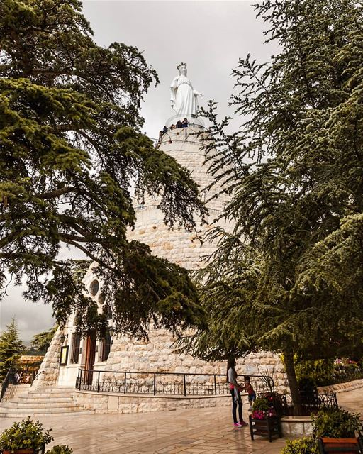 daroun lebanon. The Statue of Our Lady of Lebanon is a French-made, 13- (Harîssa, Mont-Liban, Lebanon)