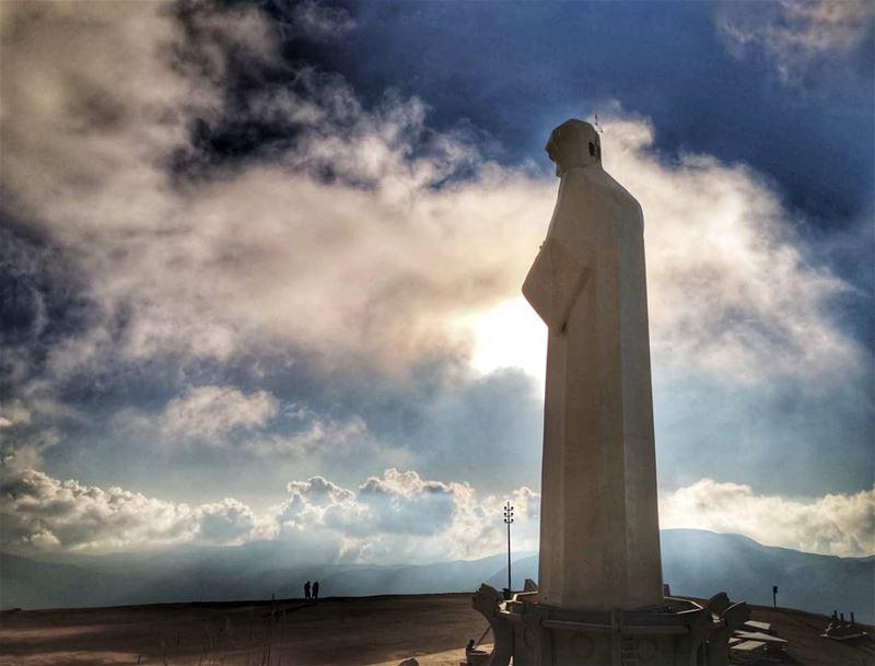 من قلب الله خرج الإنسان وإلى قلب الله يعود.... godslight godsaid ... (Saint Charbel-Faraya)