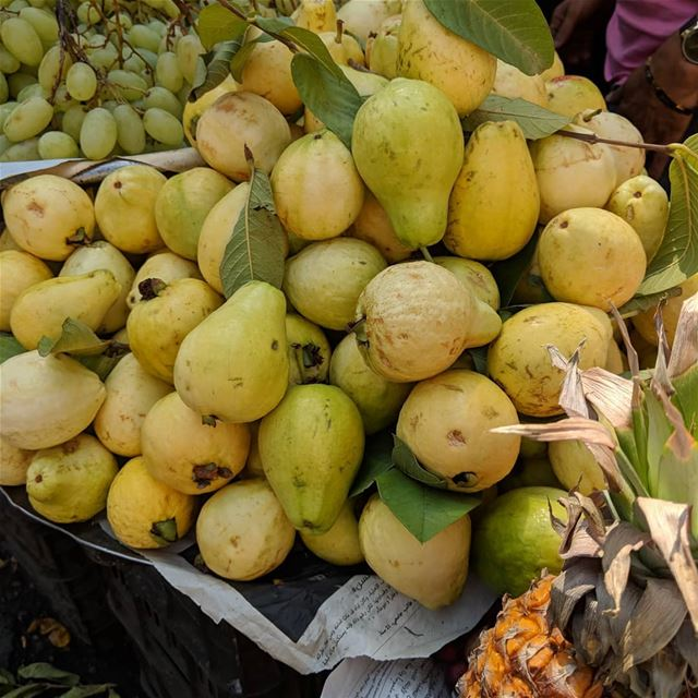 gawafa fruit yummyfruit seasoningfruit yummy delicious fresh ...