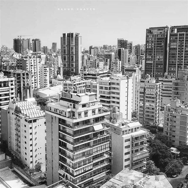 Beirut- Rawcheh. Summer 2018 🇱🇧 * insta_lebanon ig_lebanon ... (Beirut, Lebanon)