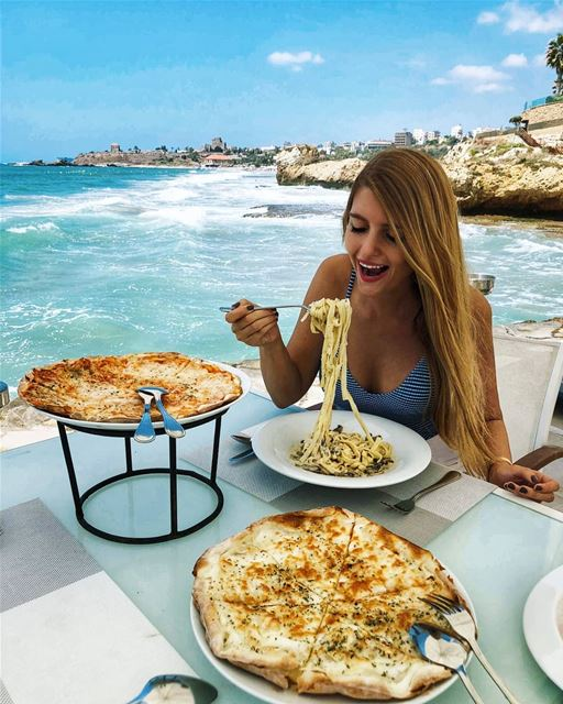Weekend vibes 🍝🍕🌊 ...