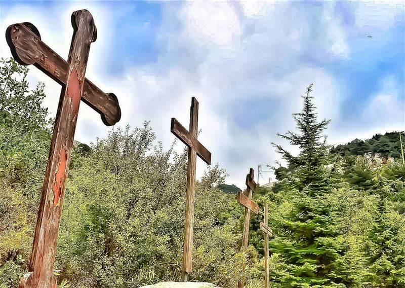 thecross cross mayfouq livelovemayfouk lebanoninapicture ptk_lebanon... (Mayfouk-Jbeil)