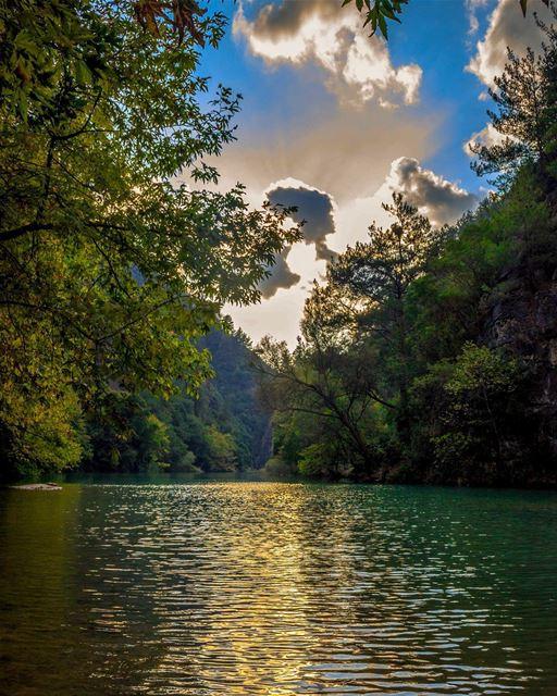 chouwen lake river lebanon mountains landscape nature photography... (Chouène, Mont-Liban, Lebanon)