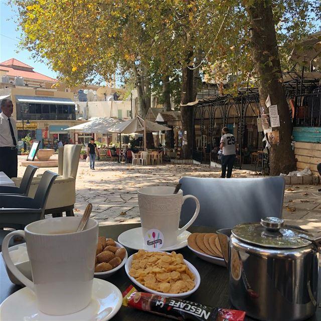 """""""راجع ورق الخريف، بالهوى يرسم دواير.."""" 🍂🍂 @cafe_ayrouth @liveloveehden @e (Ehden, Lebanon)"""