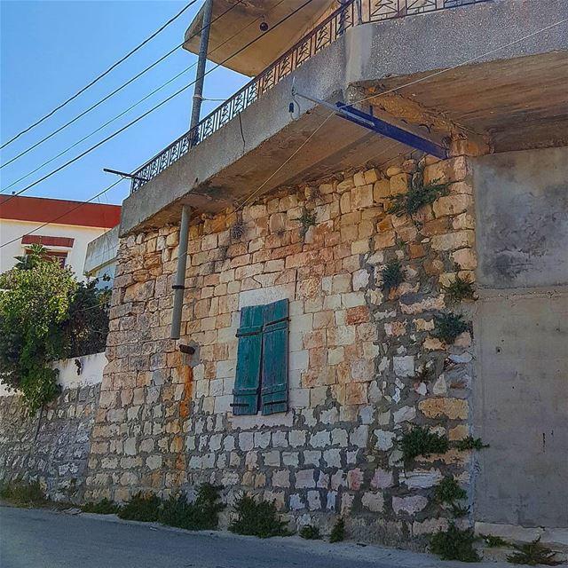 yaroun yaroun southlebanon livelovesouth oldhouse visitlebanon ...