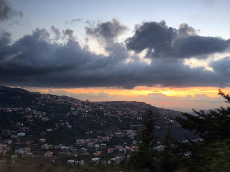 بُكرا شي نهار...✨❣️ Today sunset OurLovelyLebanon meetlebanon ... (Bakhoun, Liban-Nord, Lebanon)