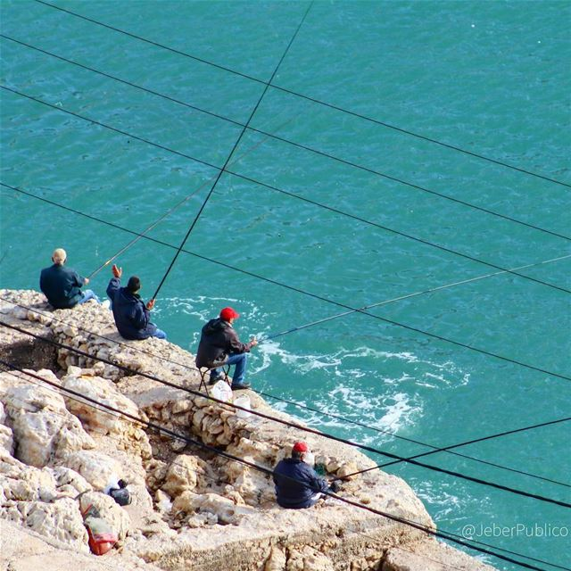 "🇱🇧 - Maalmeltein ""Fishermen behind the cables."" 