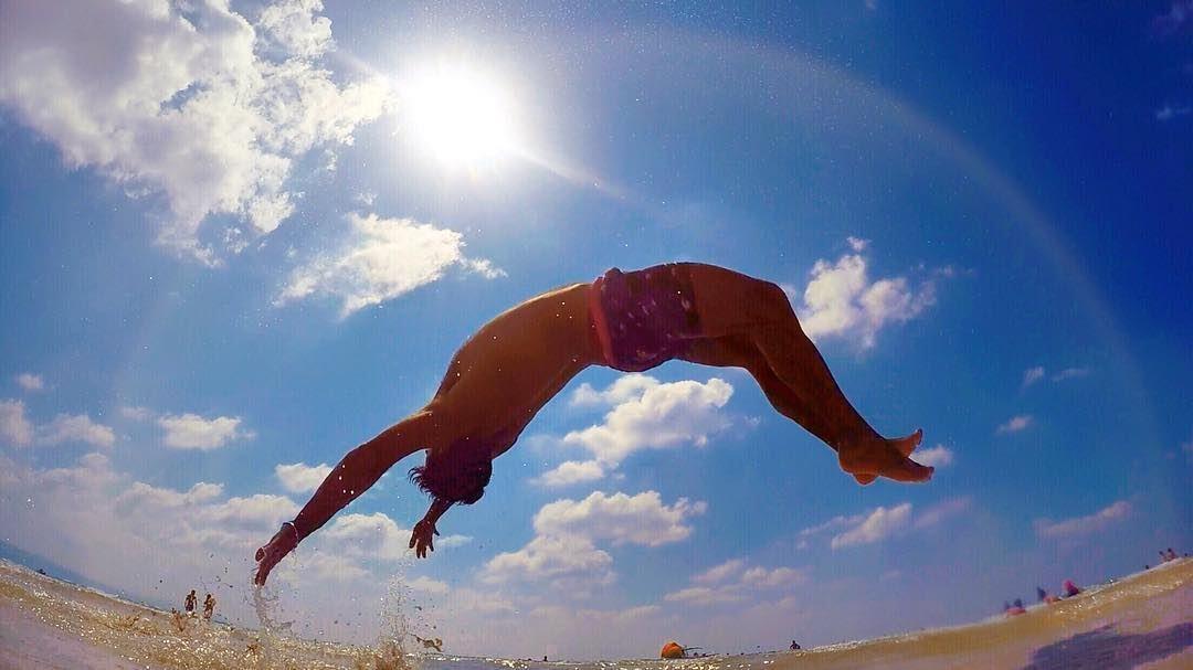 Arc-en-Ciel 🌈 ⛅️ rainbow arc sky beach fun jump blue cloud ... (على شاطىء صور)