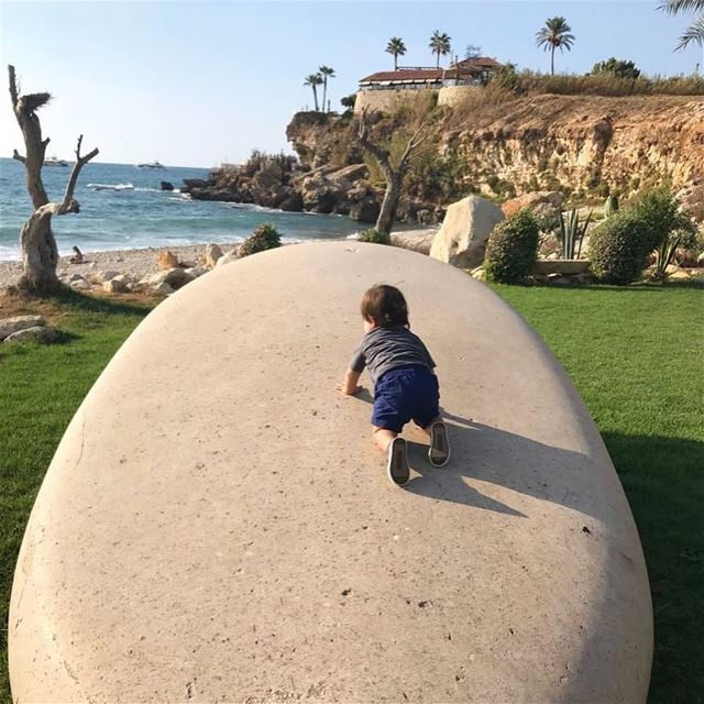 boy babyboy byblos lebanon sea rock climbing crawling instapic ... (Byblos, Lebanon)