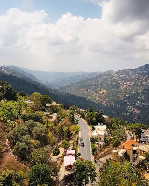 The green Chouf 🌳 (Beit Ed-Deen, Mont-Liban, Lebanon)