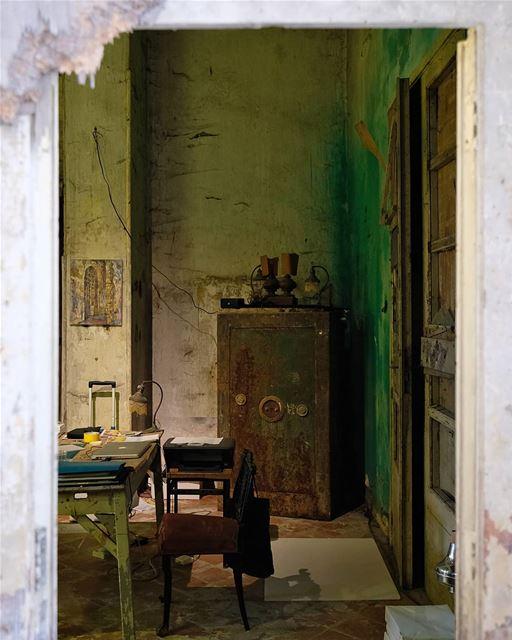 ~ Abandoned Sawfar Grand Hotel ~... abandoned heritage ... (Sawfar, Mont-Liban, Lebanon)