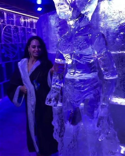 Inaugurado o primeiro e único bar de gelo do Líbano, com uma temperatura... (ICE BAR Beirut)
