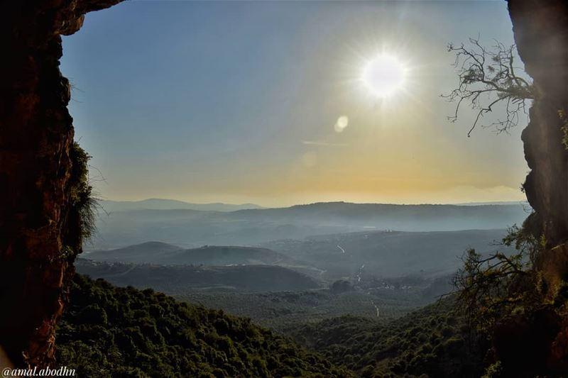 من لا يجد في نفسه شجاعة المخاطرة لن يحقق شيئا في حياته.. .... lebanon... (South Governorate)