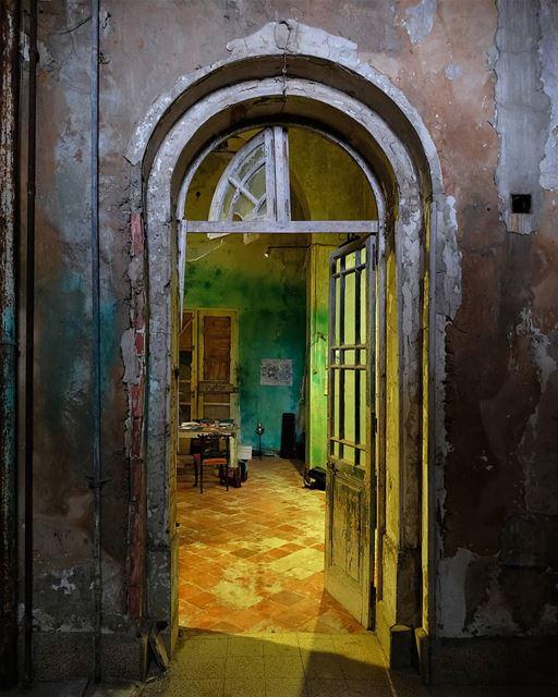 ~ Abandoned Grand Sawfar Hotel ~... abandoned heritage ... (Sawfar, Mont-Liban, Lebanon)