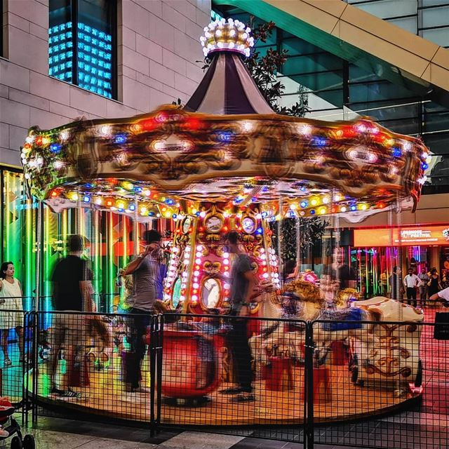 carousel 🎠...... motionblur  capture  capturethemoment  childhood... (Beirut Souks)