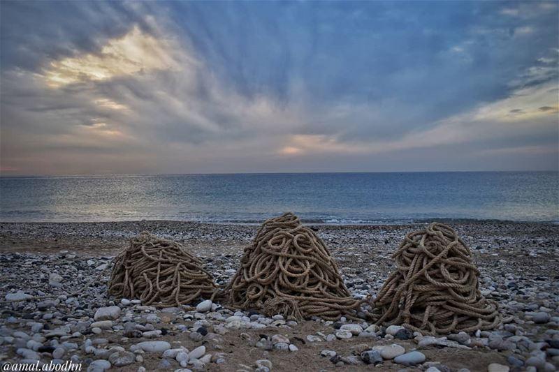 من يحكم الأمواج يحكم العالم... 👌...... lebanon photography ... (Batroûn)