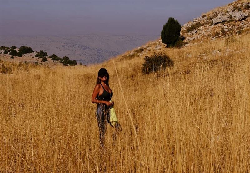 Africa or Faraya👣🦒🐆 hiking hikerlife hotweather africannature faraya ... (Faraya, Mont-Liban, Lebanon)