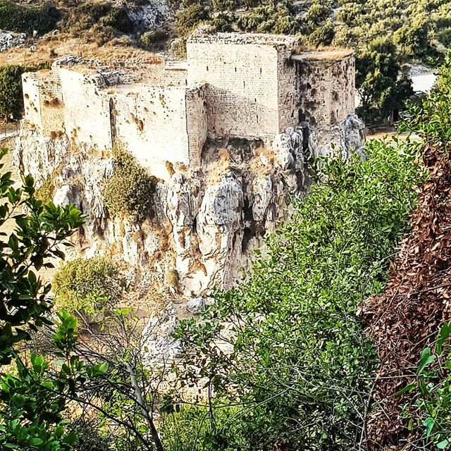 Different roads sometimes lead to the same castle 🏰 hikingadventures... (Mseilha Fort)