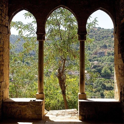 Piece of art.... lebanon dhourshweir oldhouse pieceofart design... (Bologne, Mont-Liban, Lebanon)