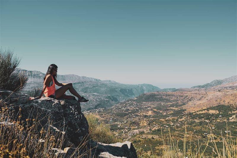Take a moment to take it all in 😍💚 ... (Akoura, Mont-Liban, Lebanon)